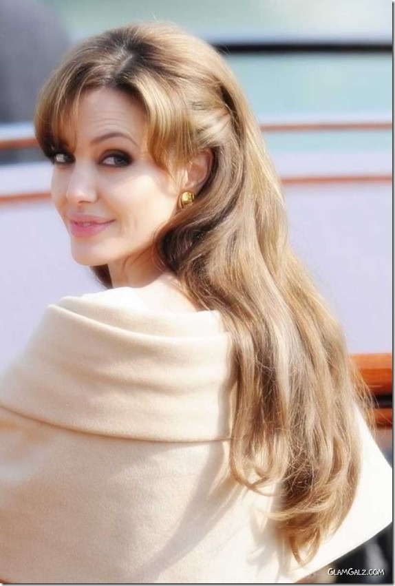 angelina jolie mil caretos (6)